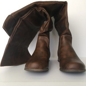2 pairs of Cathy Jean boots sz 6